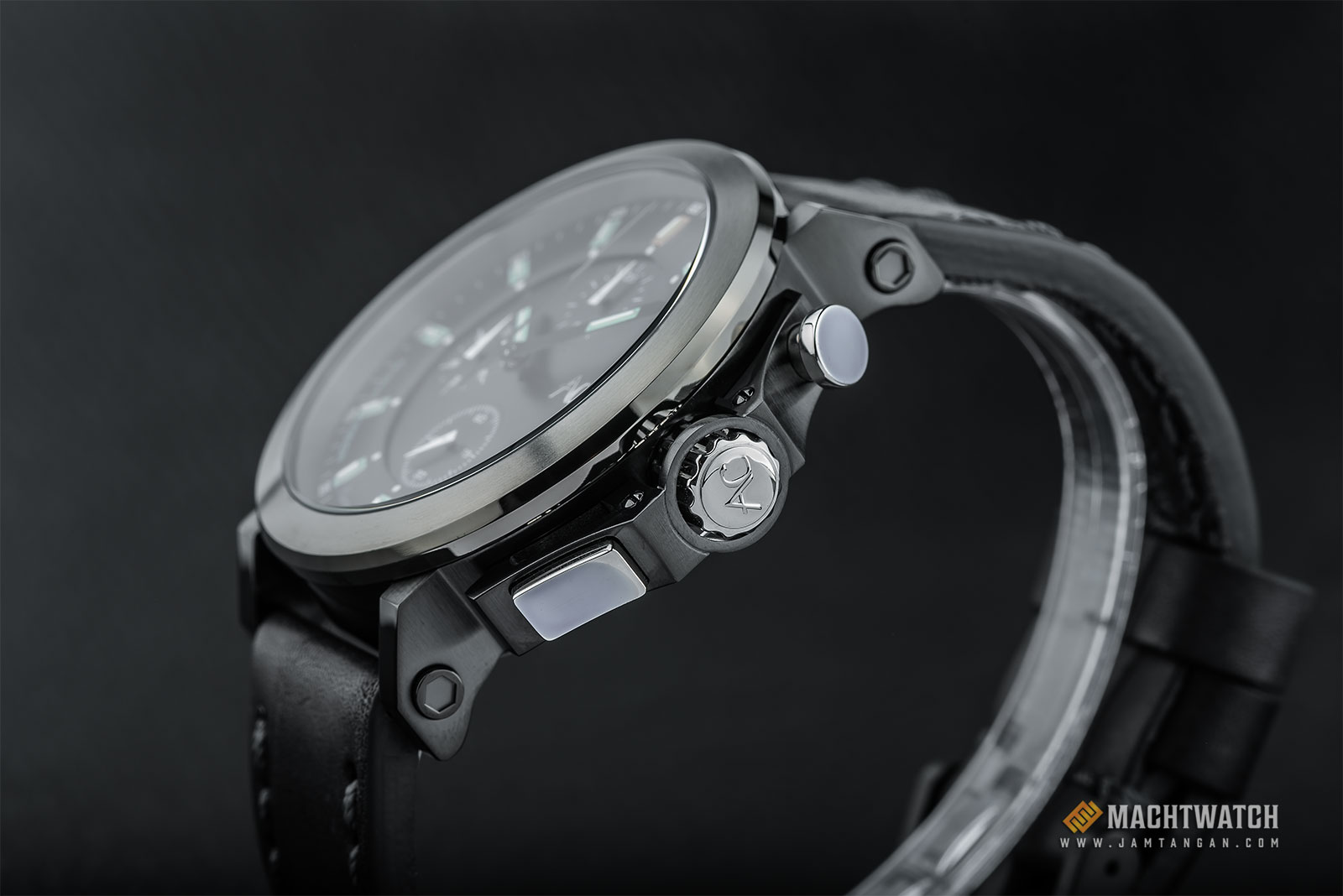Alexandre Christie AC 9200 NM CLBGBA Night Vision Chronograph Black Dial Black Leather Strap Machtwatch