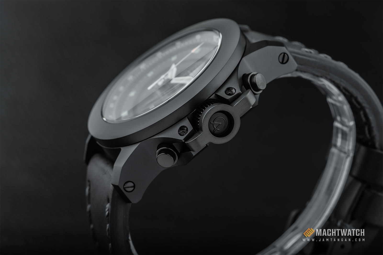 Alexandre Christie AC 9207 NM CLIPBA Night Vision Chronograph Black Dial Black Leather Strap Machtwatch