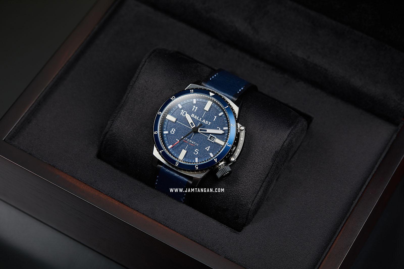 Ballast BL-3142-01 Trafalgar Dual Time Automatic Men Blue Dial Blue Leather Strap Machtwatch