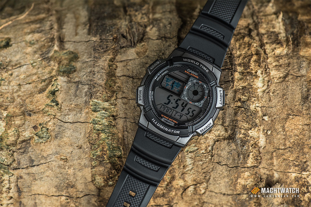 Casio AE-1000W-1BVDF - 10 Year Battery - Water Resistance 100M Black Resin Band Machtwatch