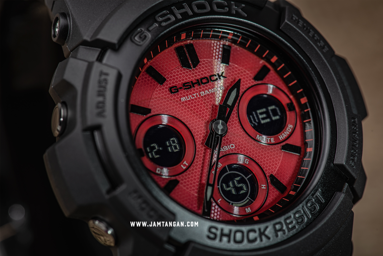 Casio G-Shock AWG-M100SAR-1AJF Multiband 6 Tough Solar Special Colour Red Dial Black Resin Machtwatch