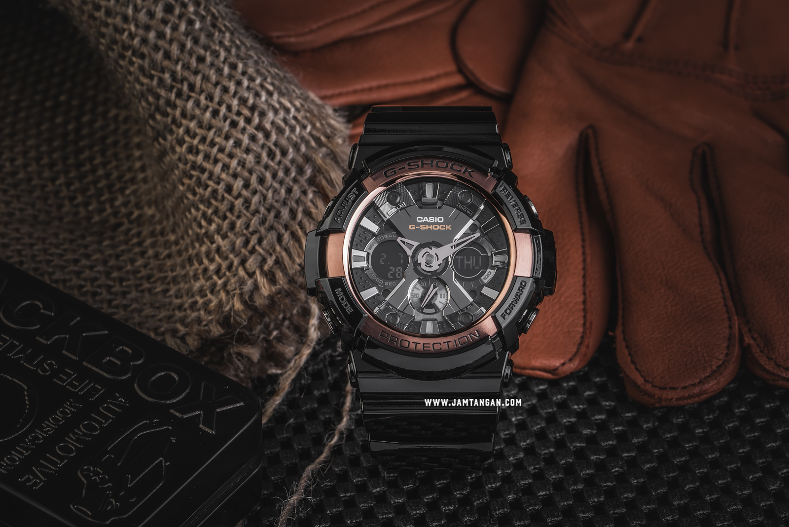 Casio G-Shock GA-200RG-1ADR Special Color Models Resin Band Machtwatch