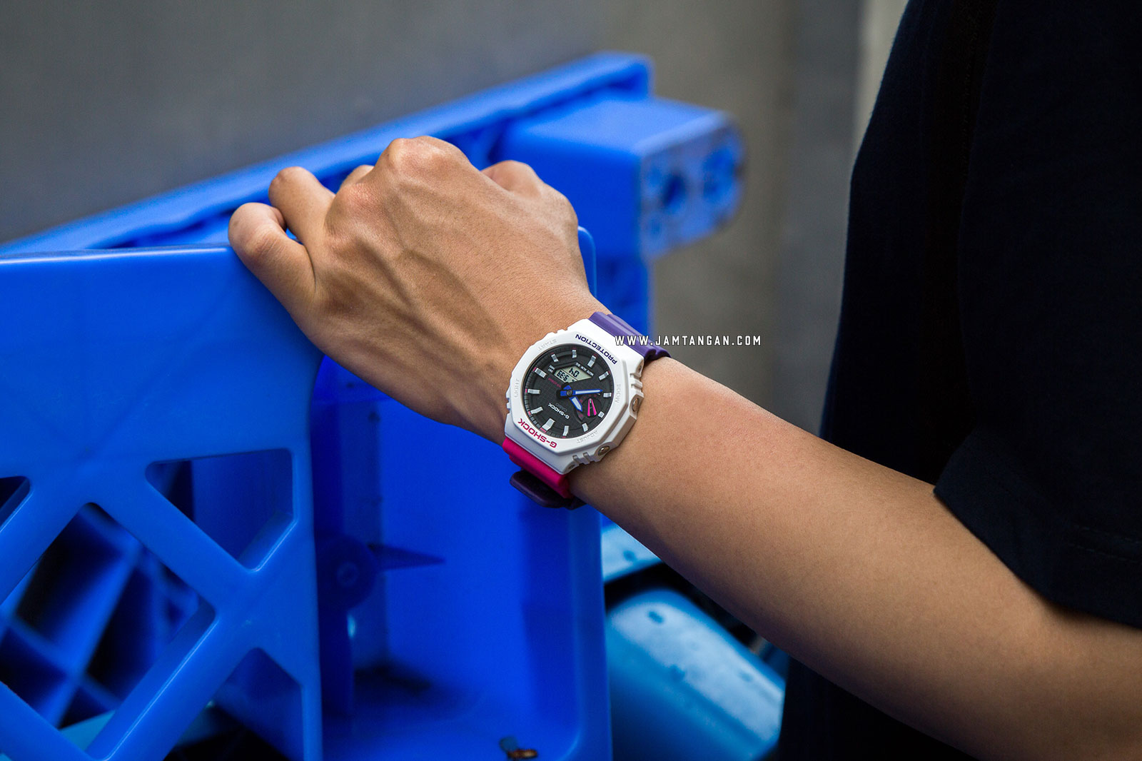 Casio G-Shock GA-2100THB-7AJF Special Colour Retro Style Digital Analog Dial Dual Tone Resin Strap Machtwatch