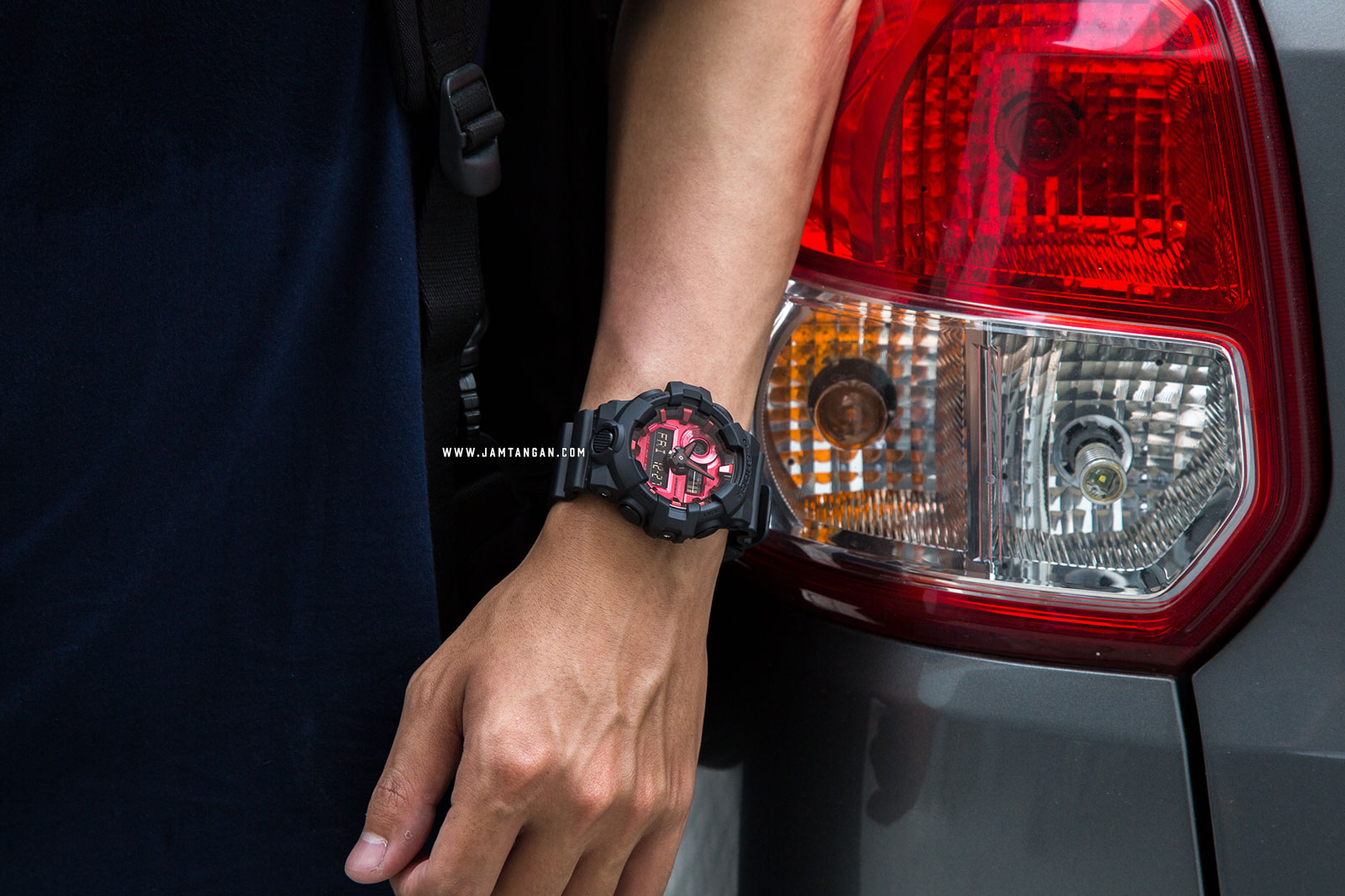 Casio G-Shock GA-700AR-1AJF Adrenalin Red Digital Analog Dial Black Resin Strap Machtwatch