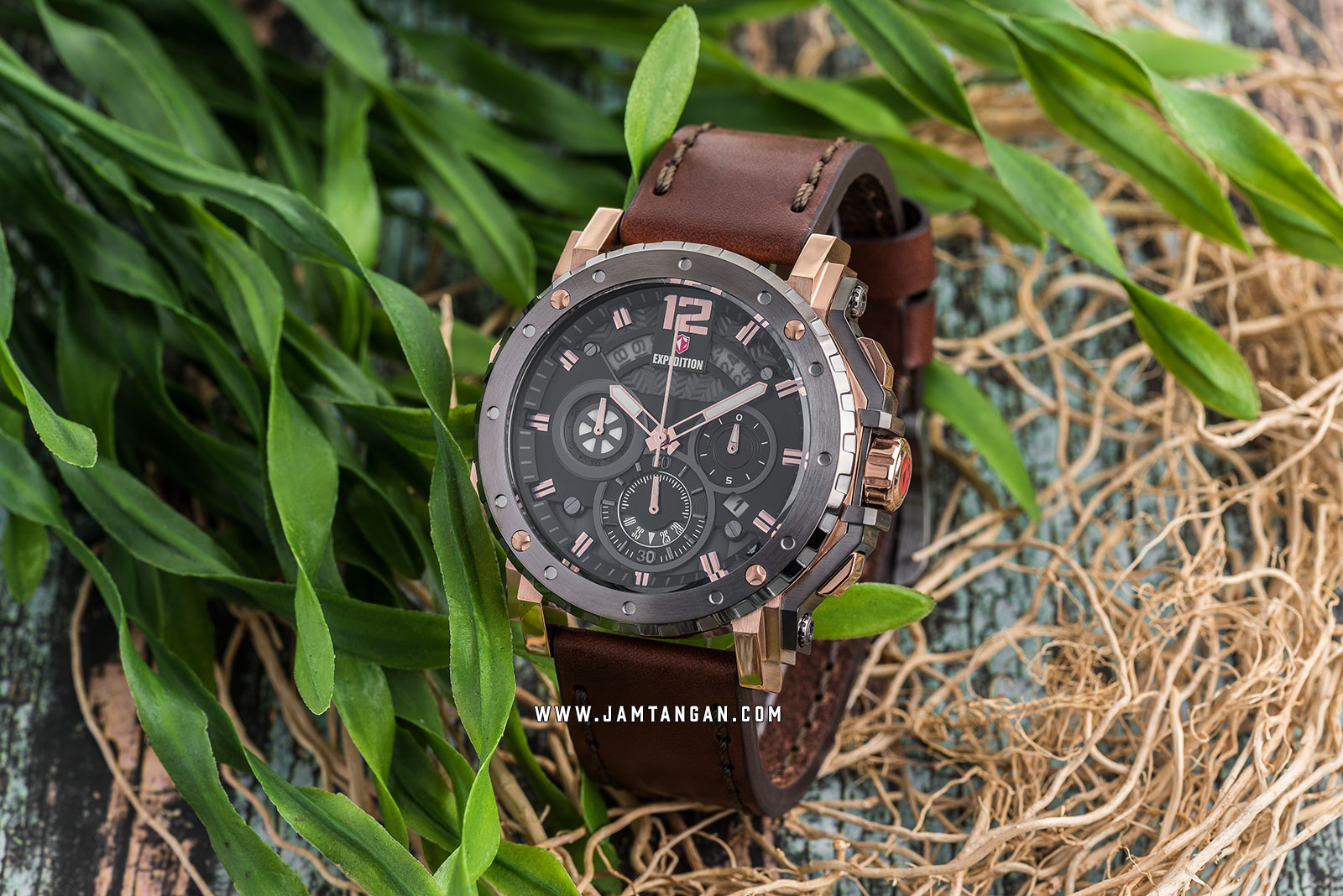 Expedition E 6402 MC LGRBA Chronograph Men Black Dial Brown Leather Strap Machtwatch