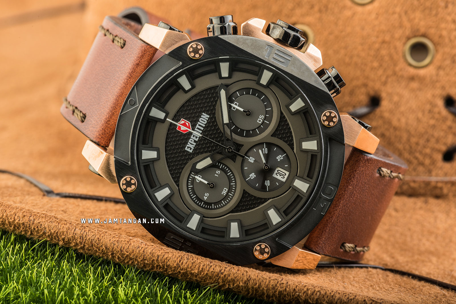 Expedition E 6606 MC LBRBABO Chronograph Men Black Dial Brown Leather Strap Machtwatch