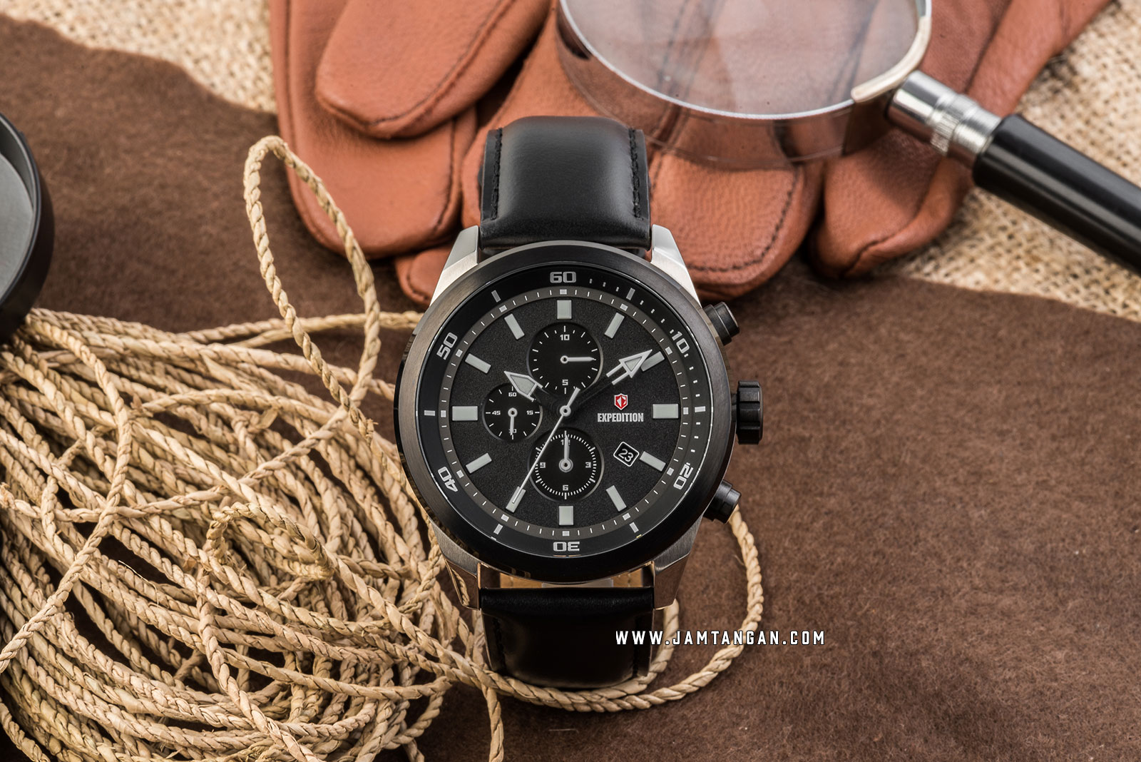Expedition E 6776 MC LTBBA Chronograph Men Black Dial Black Leather Strap Machtwatch