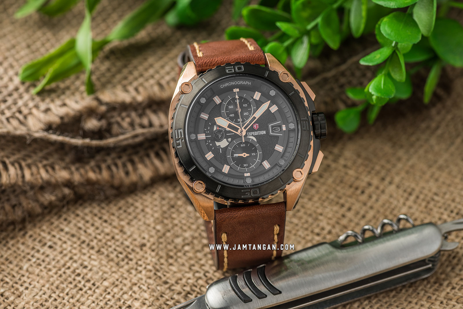 Expedition E 6777 MC LBRBA Chronograph Men Black Dial Brown Leather Strap Machtwatch
