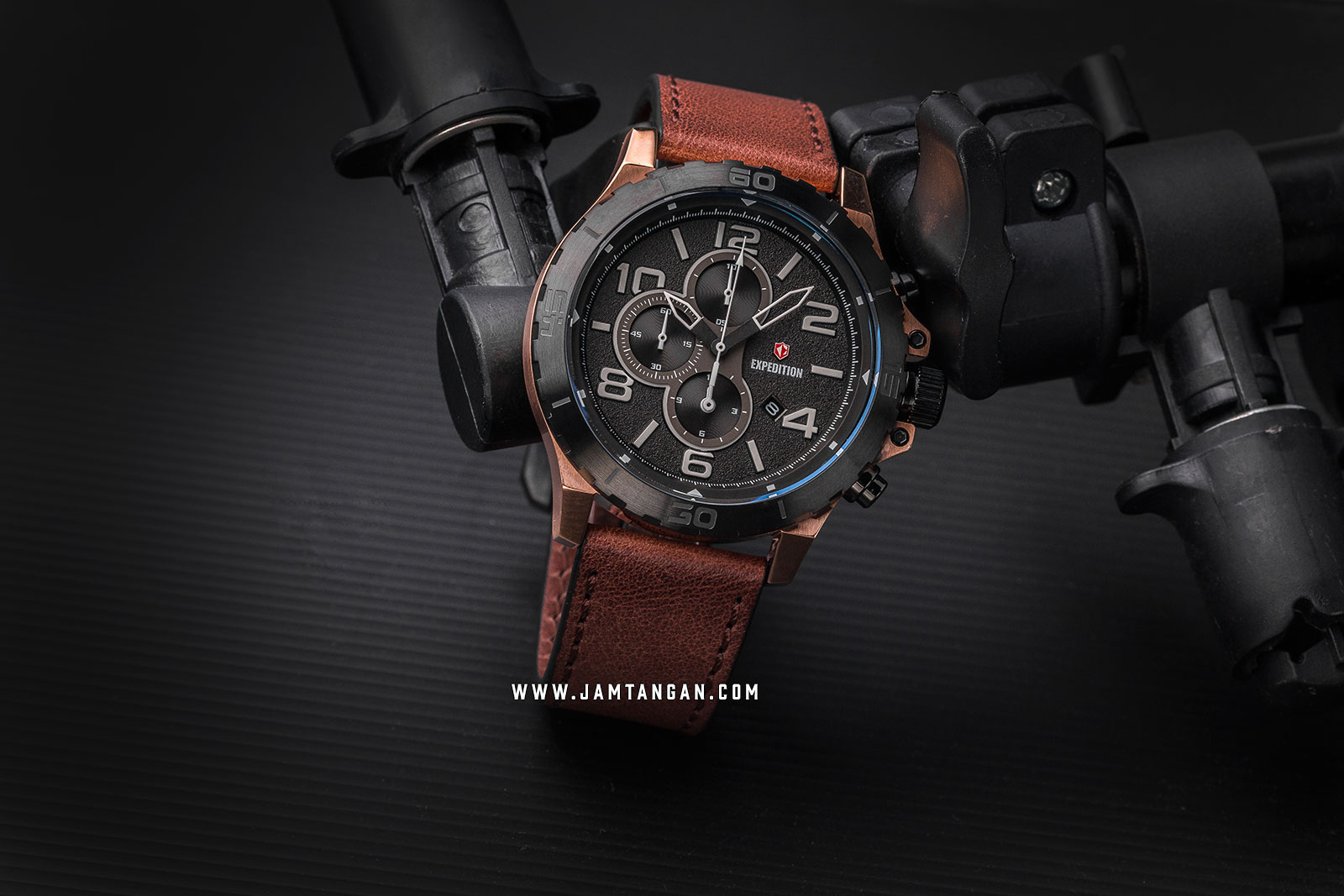 Expedition E 6778 MC LBRBA Chronograph Men Black Dial Brown Leather Strap Machtwatch