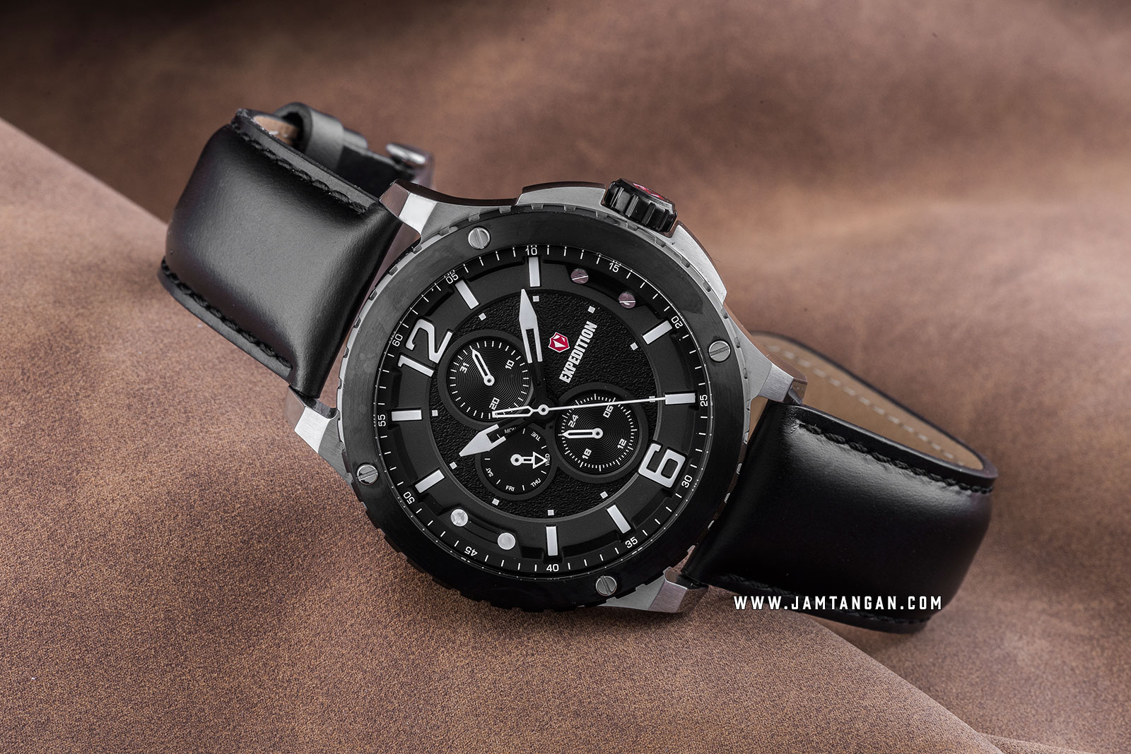 Expedition E 6784 MF LTBBA Chronograph Men Black Dial Black Leather Strap Machtwatch