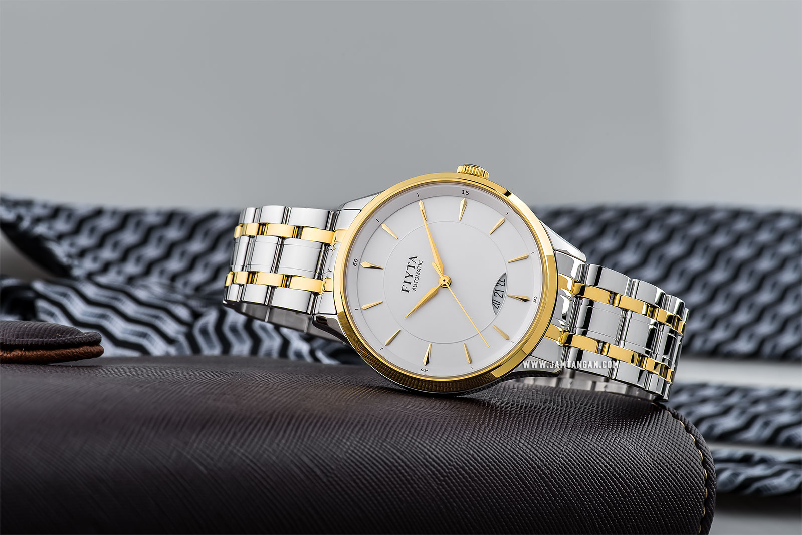 FIYTA GA520001.TWT Tempting Automatic Man White Dial Dual Tone Stainless Steel Machtwatch