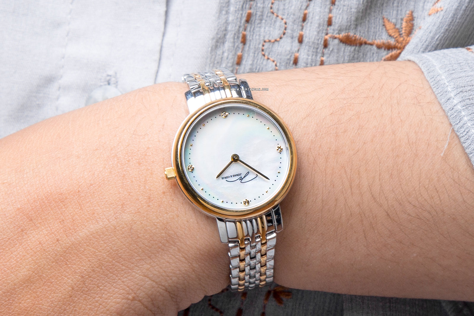 Jonas Verus My Queen X00719-Q3.WGWST Ladies Mother of Pearl Dial Dual Tone Stainless Steel Strap Machtwatch