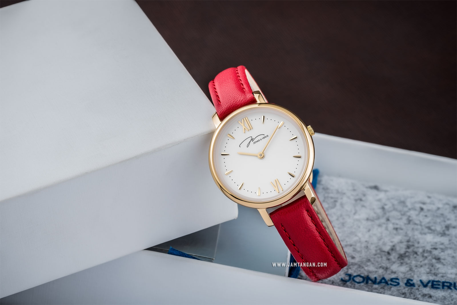Jonas Verus X00752-Q3.GGWLR Ladies Quartz Watch White Dial Red Leather Strap Machtwatch