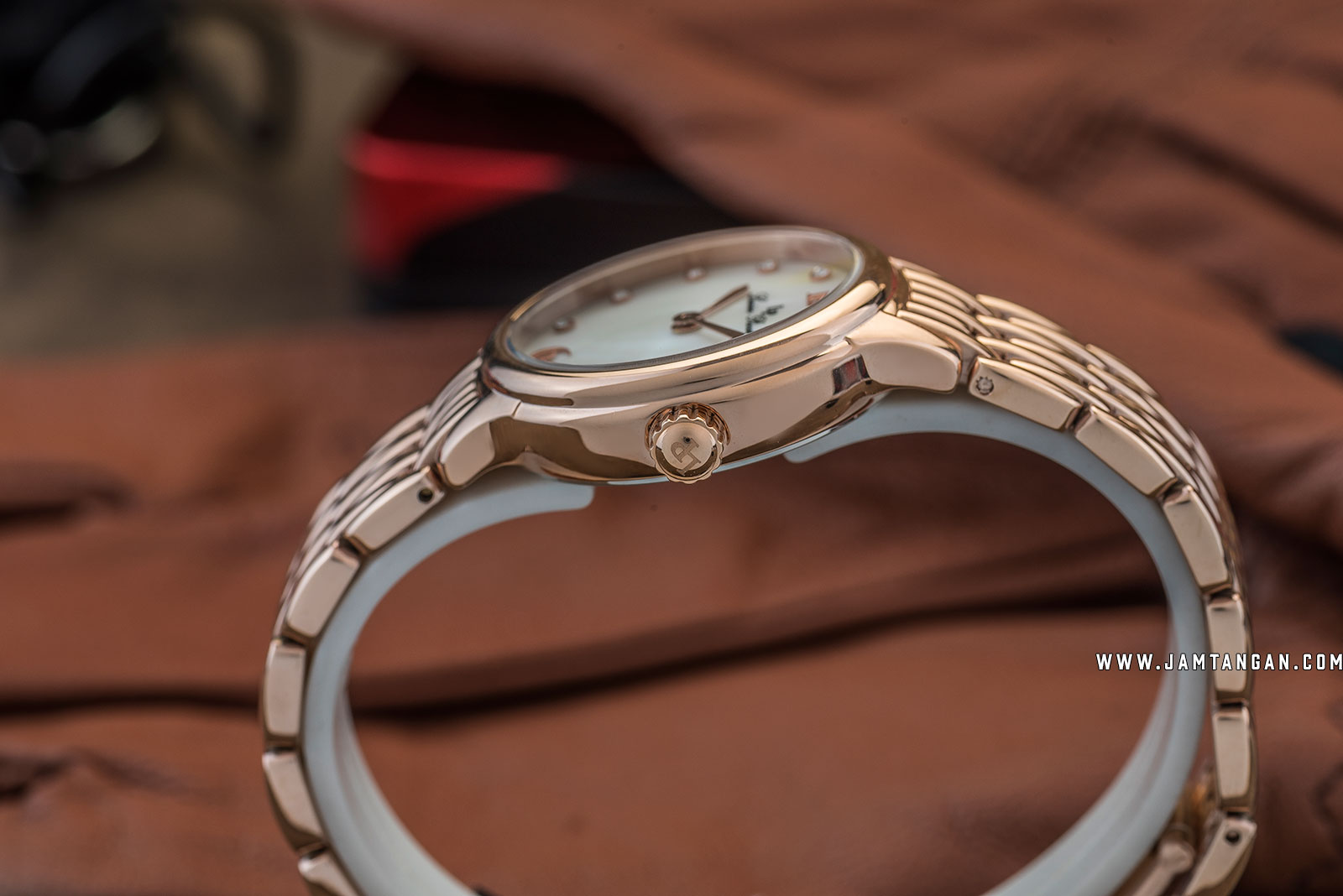 Lucien Piccard Lauren LP-28021-RG-22MOP Silver Mother of Pearl Dial Rose Gold Stainless Steel Strap Machtwatch