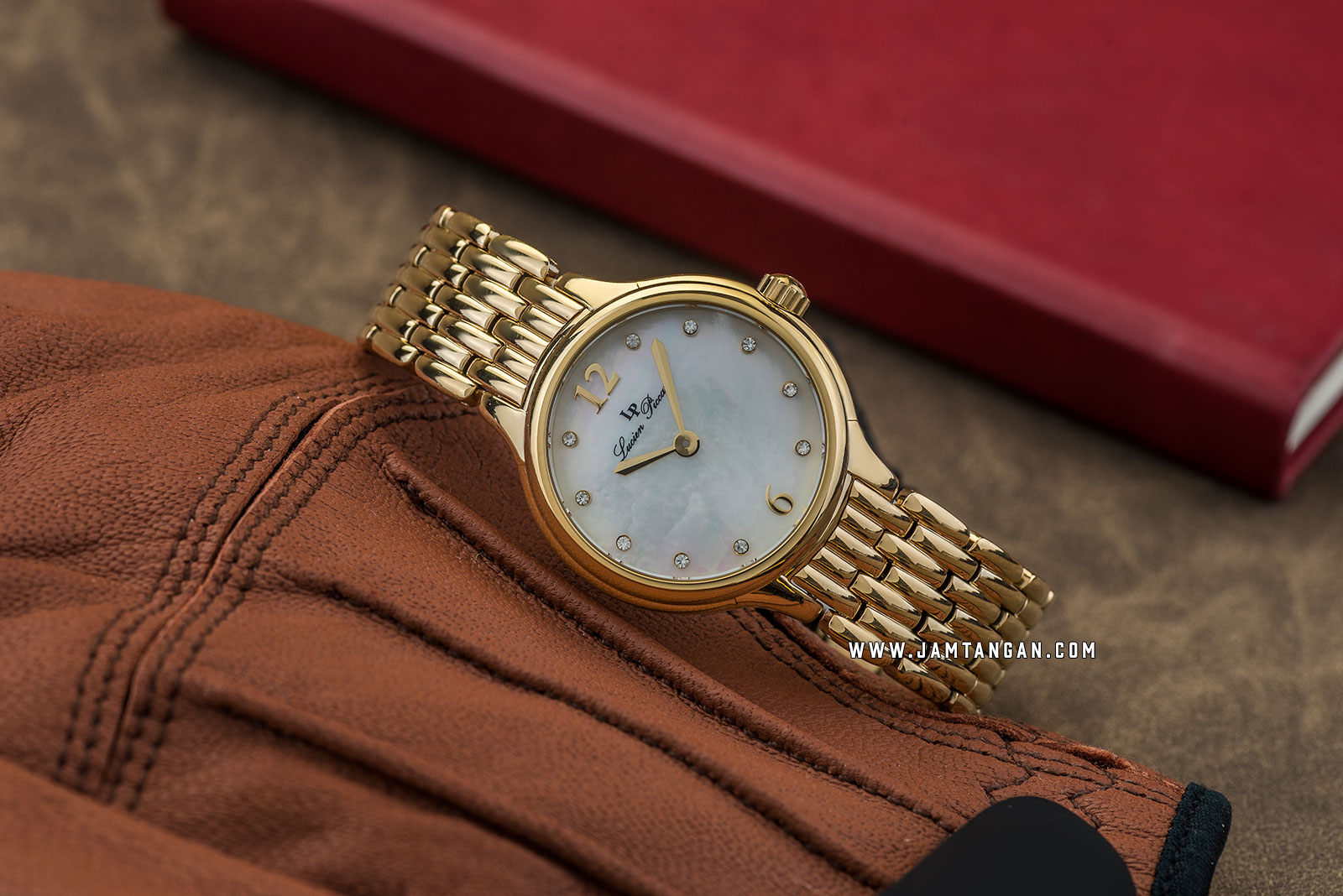Lucien Piccard Lauren LP-28021-YG-22MOP Silver Mother of Pearl Dial Gold Stainless Steel Strap Machtwatch