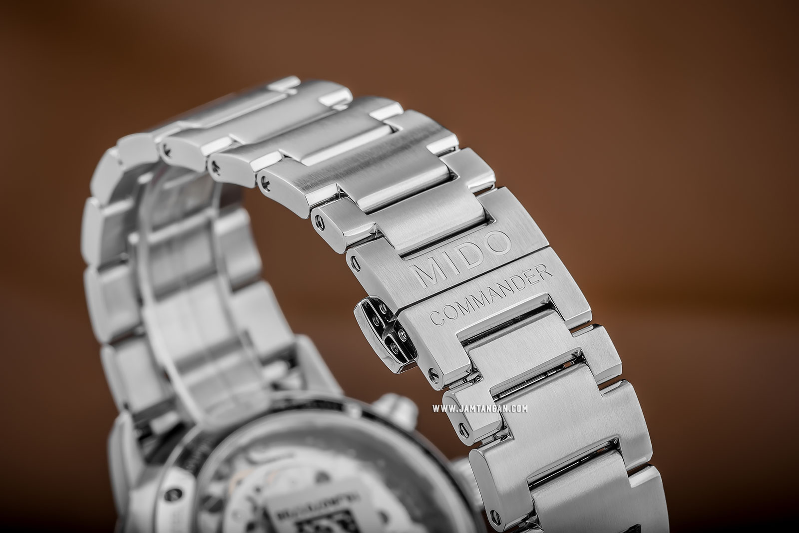 Mido M016.414.11.061.00 Commander II Chronograph Automatic Grey Dial Stainless Steel Strap Machtwatch