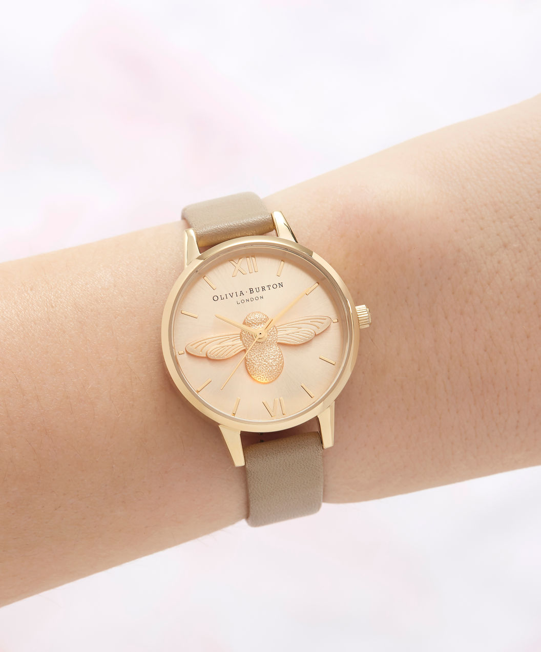 Olivia Burton OB16AM150 3D Bee Sand Ladies Gold Dial Tan Leather Strap Machtwatch
