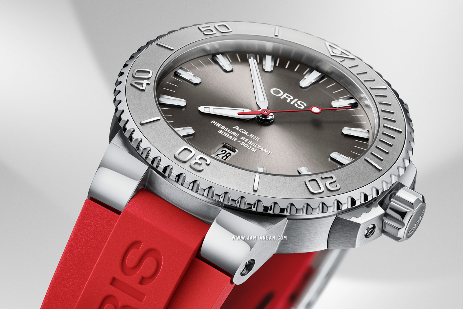 Oris Aquis Date Relief 733 7730 4153 RS Men Grey Dial Red Rubber Strap Machtwatch