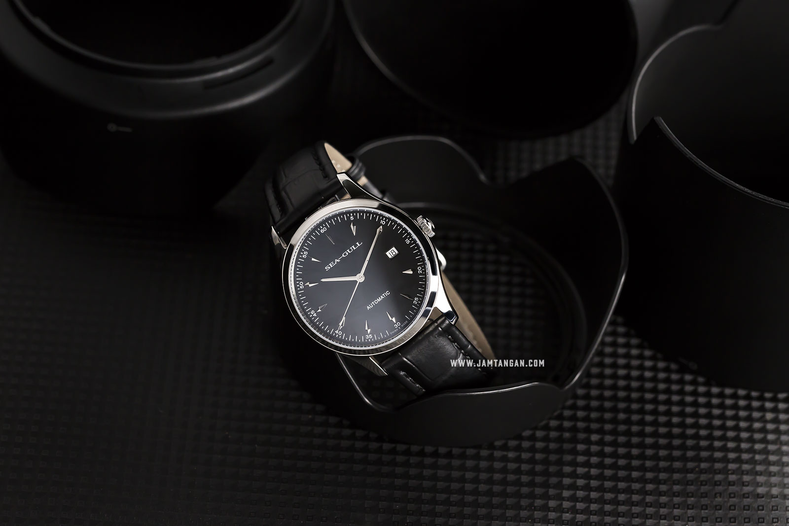 Seagull D819.447-BL Classic Automatic Mechanical Black Dial Black Leather Strap Machtwatch