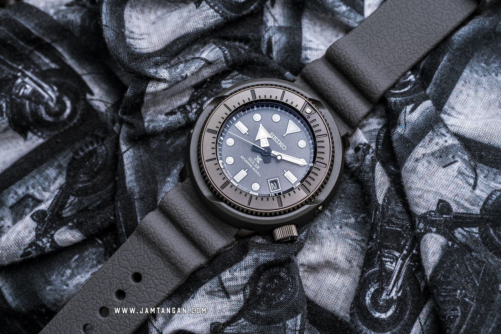 Seiko Prospex SNE537P1 Tuna Street Series Solar Divers 200M Grey Rubber Strap SPECIAL EDITION Machtwatch