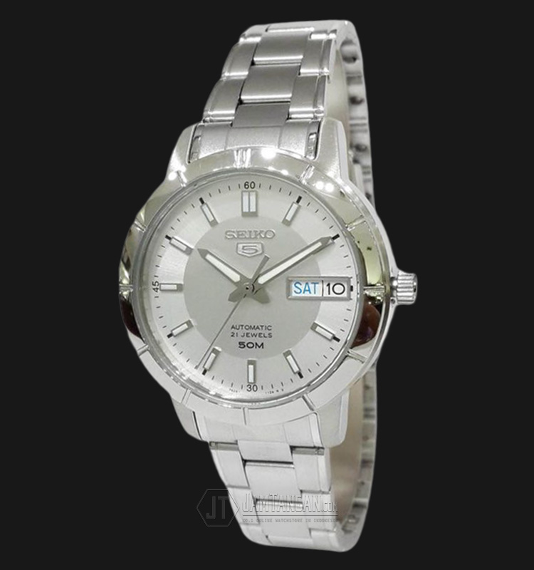 Seiko 5 SNK899K1 Automatic 21 Jewels Silver Dial Stainless Steel Bracelet Machtwatch