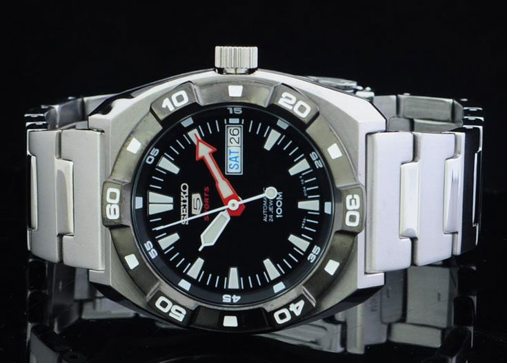 Seiko 5 Sports SRP285K1 Automatic Divers Machtwatch