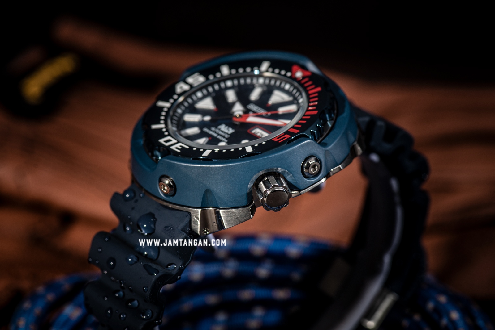 Seiko Prospex PADI SRPA83K1 Automatic Divers 200M Blue Rubber Strap Special Edition Machtwatch