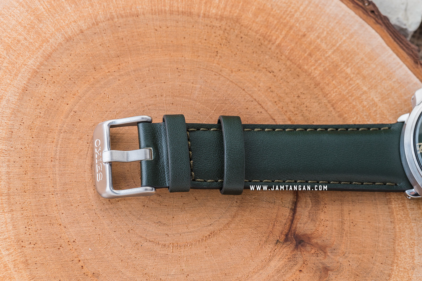 Seiko Prospex SRPD33K1 Automatic 200M Water Resistance Green Leather Strap Machtwatch