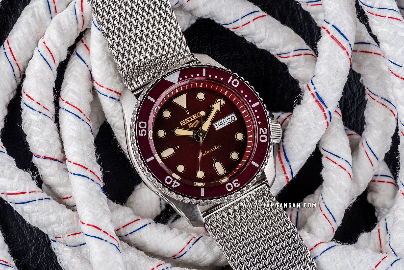 Seiko 5 Sports SRPD69K1 Automatic Red Dial Silver Mesh Strap Machtwatch