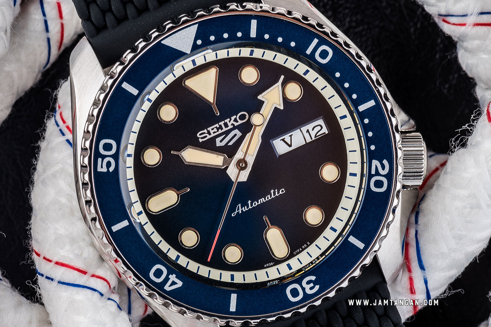 Seiko 5 Sports SRPD71K2 Automatic Blue Dial Black Rubber Strap Machtwatch