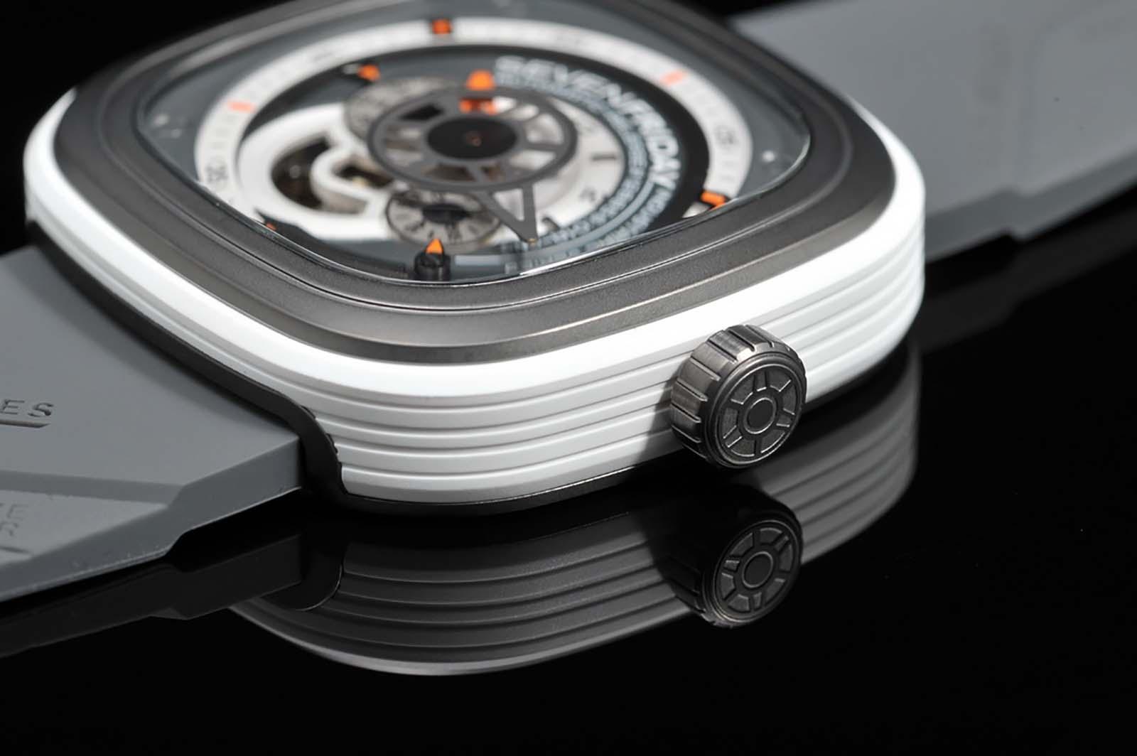 SEVENFRIDAY P3-3 Black - Industrial Engines Machtwatch